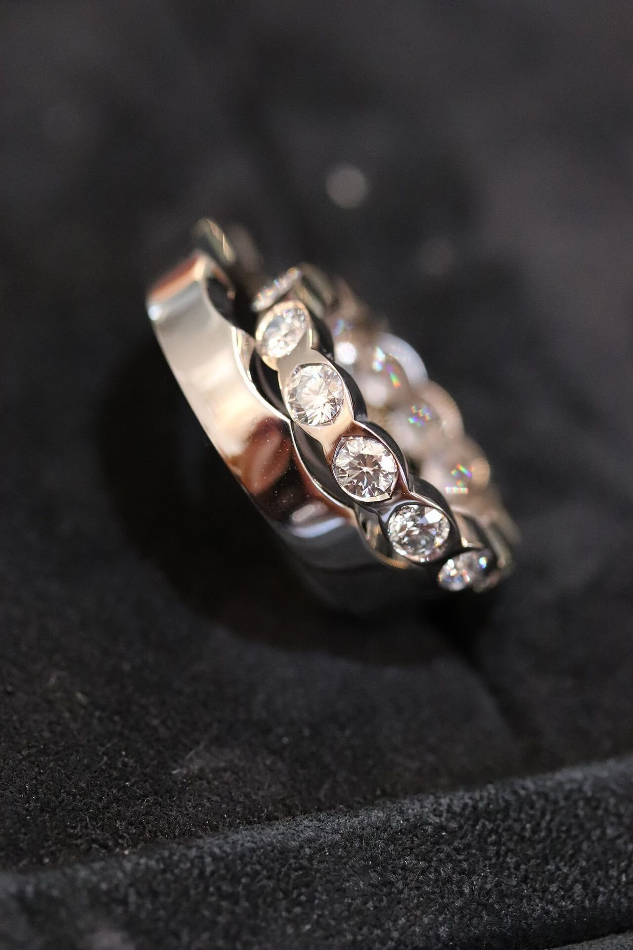 Two fused lovers for two united wedding bands