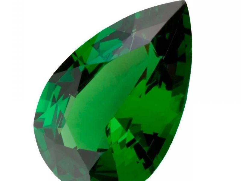 Tsavorite, a magnificent alternative to emerald